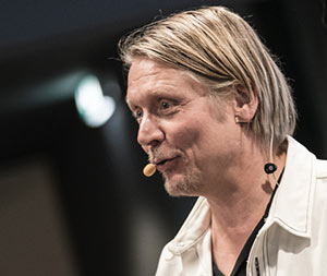 Emancipator Jens van Tricht
