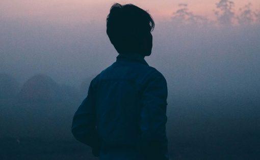 Thumbnail voor Ben jij slachtoffer van misbruik door een boeddhistische leraar? Vertel ons veilig (en anoniem) je verhaal.