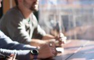 Thumbnail voor Dit gebeurt er als managers mediteren