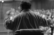 Thumbnail voor Guru in Disgrace: documentaire over Sogyal Rinpoche