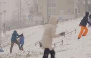 Thumbnail voor Documentaire: Voorbij het virus. Verborgen kansen van de coronapandemie