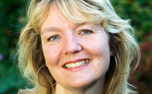 """Thumbnail voor Eveline Brandt: """"Je hoeft geen radicale geheelonthouder te worden"""""""